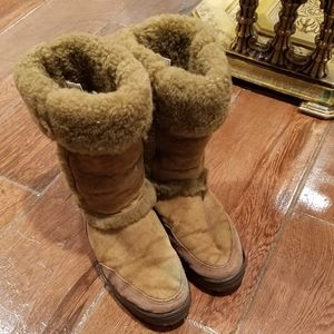 Really strong pair of UGG.